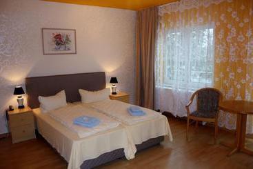Residenz 2000 berlim as melhores ofertas com destinia for Designhotel residenz 2000 berlin