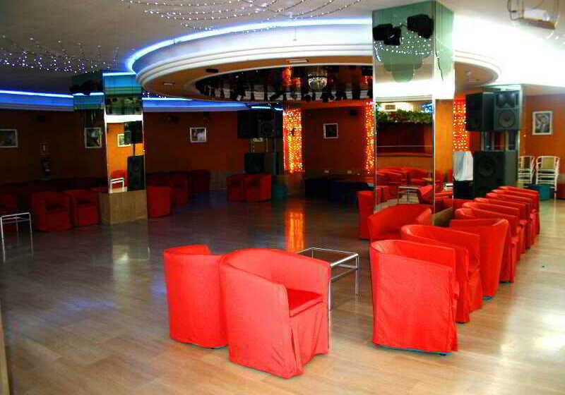 صورة الفندق فندق AR Roca Esmeralda & Spa كالبي