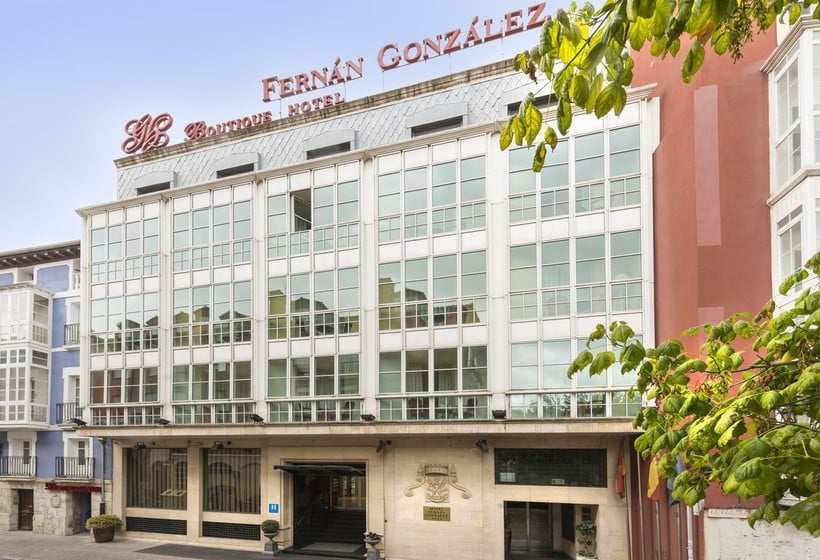 Outside Hotel Fernán González Burgos