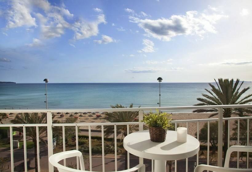 تراس فندق HM Tropical بلايّا دي بالما