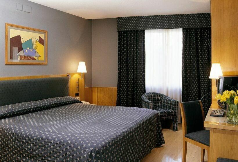 فندق NH Belagua برشلونة
