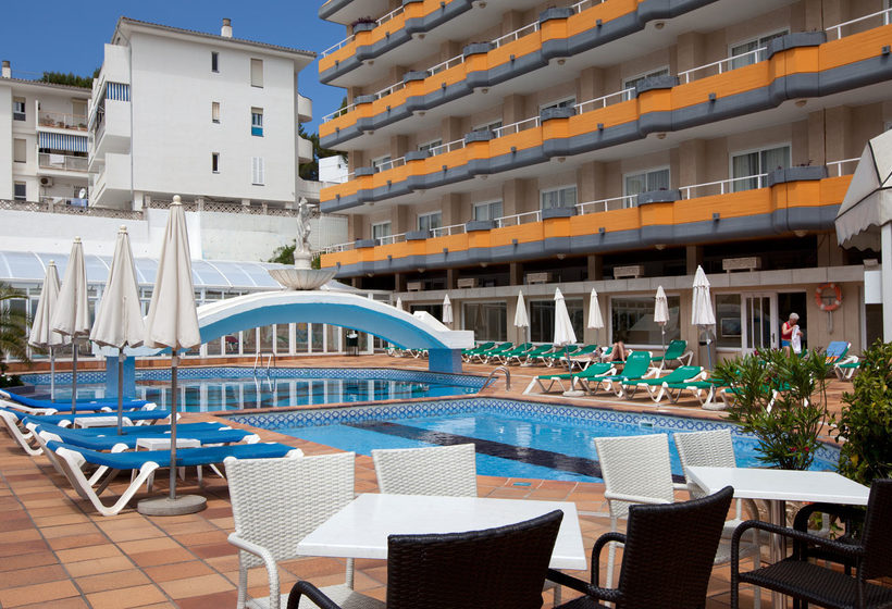 Outside Hotel Seramar Sunna Park Paguera