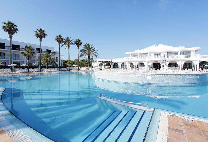 Swimming pool Resort Grupotel Mar de Menorca Mahon
