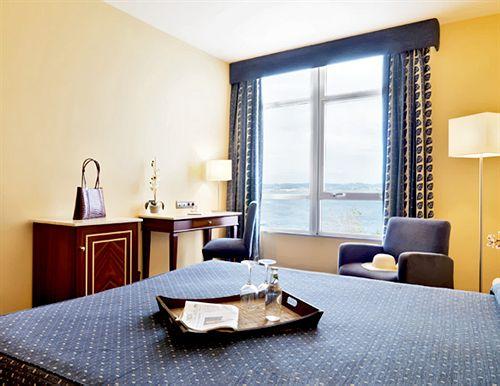 Quarto Hotel Eurostars Ciudad de la Coruña Corunha