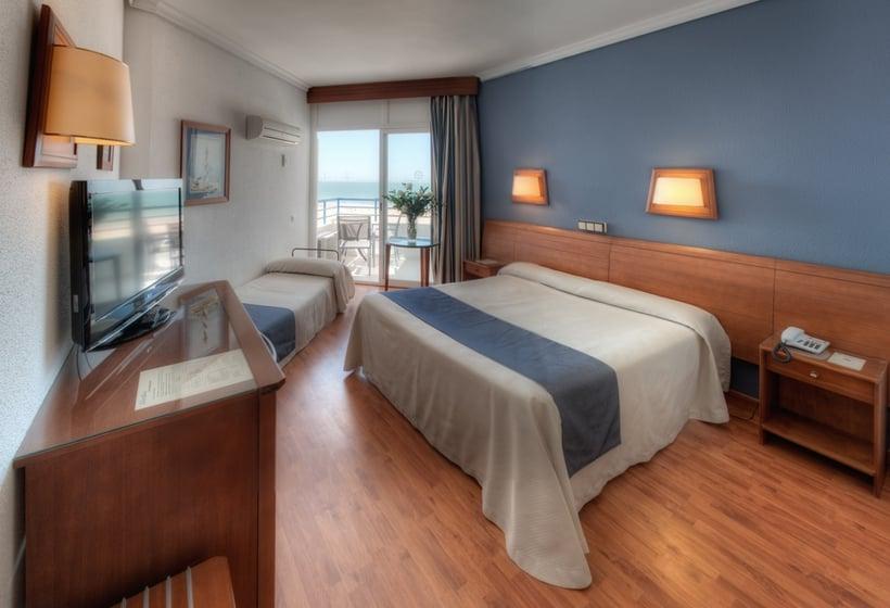 Quarto Hotel Puertobahia & Spa Porto de Santa Maria