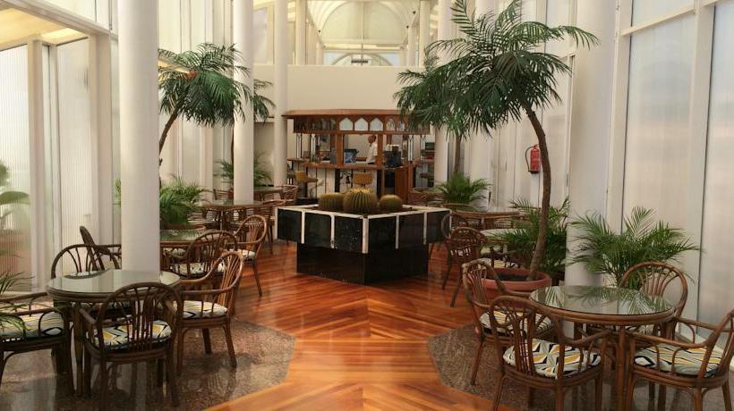 مطعم فندق Bull Astoria لاس بالماس دى جران كاناريا
