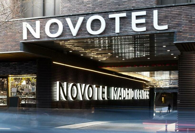 Buitenkant Novotel Madrid Center