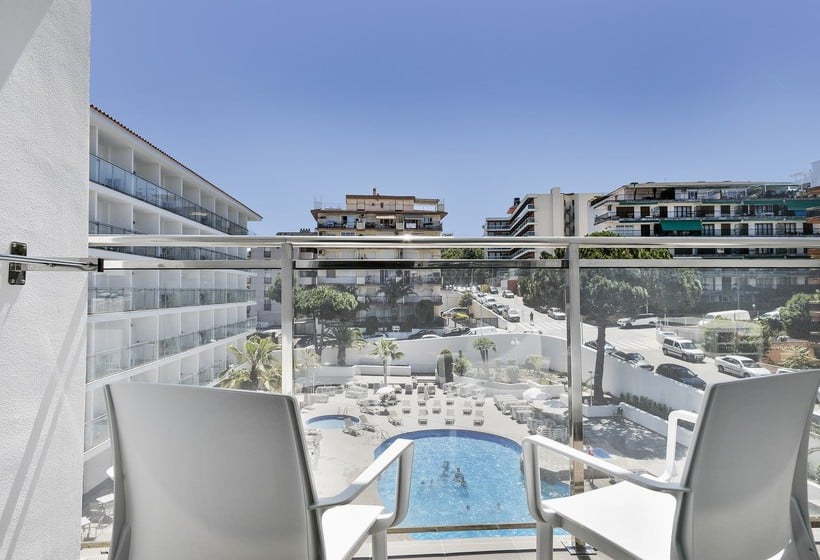 Hotel best san diego in salou starting at 19 destinia for Terrace hotel contact number
