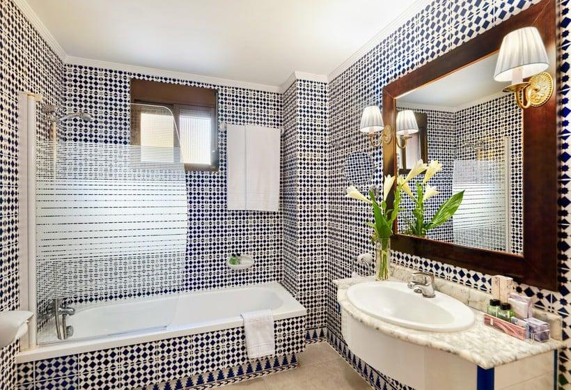 H10 corregidor boutique hotel in sevilla ab 28 destinia for Boutique hotel sevilla