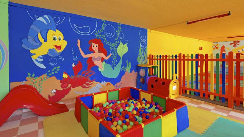 Children's facilities Hotel Iberostar Bouganville Playa Costa Adeje