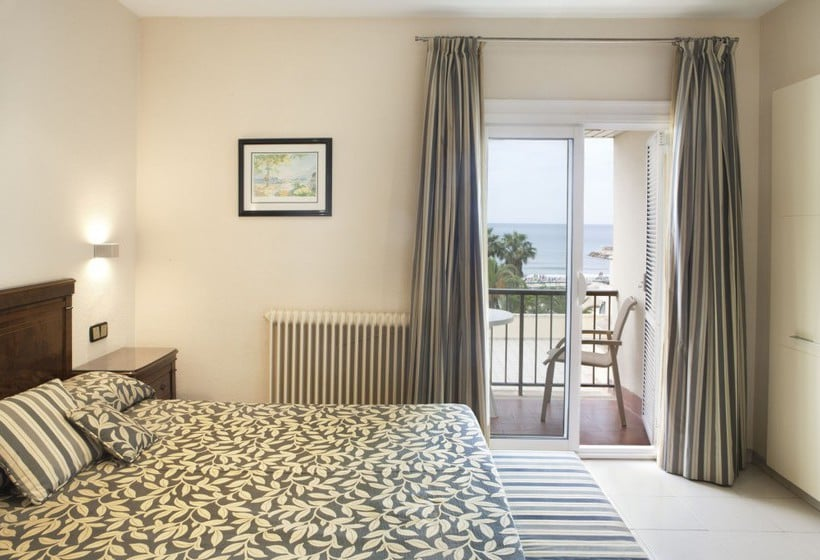 Quarto Hotel Rovira Cambrils