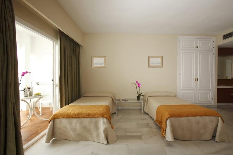 غرفة Aparthotel PYR Marbella ماربيا