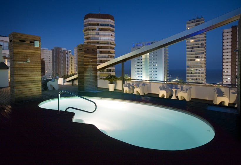 Swimming pool Hotel Agir Benidorm