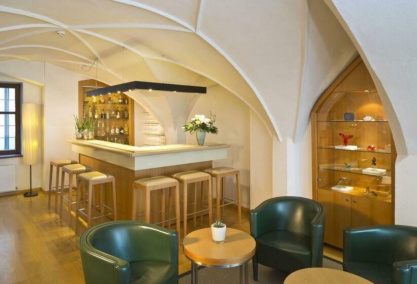 Cafeteria Hotel Maximilian Innsbruck