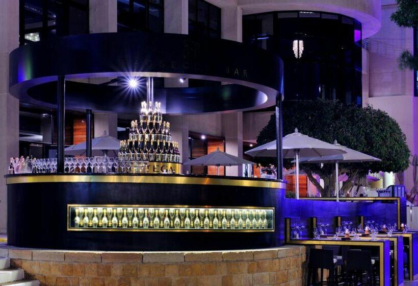 Cafetaria Hotel Intercontinental Abu Dhabi