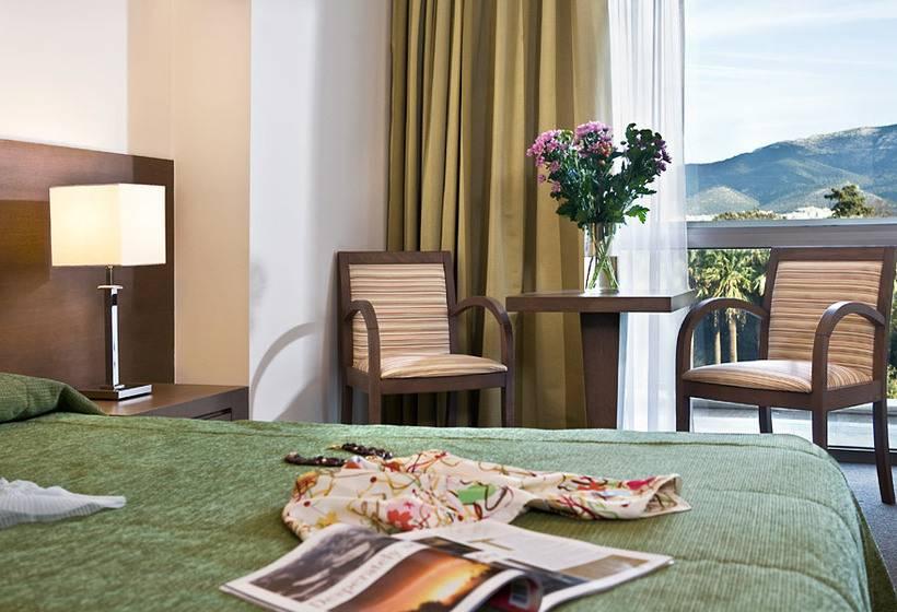 Quarto Hotel Amalia Atenas