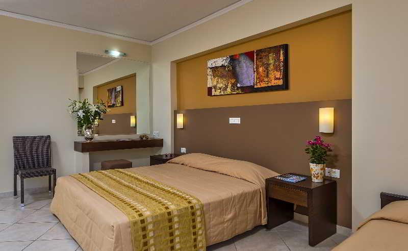 ホテル Atrion Agia Marina