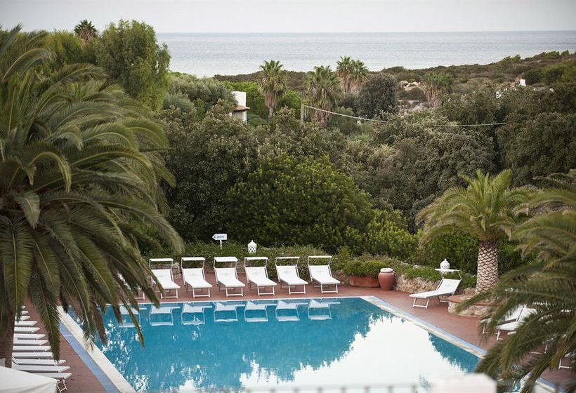 Swimming pool Hotel Ostuni Rosa Marina Resort