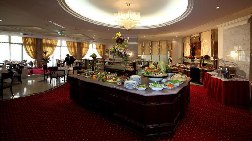 Restaurant Hotel Crowne Plaza Riyadh Minhal