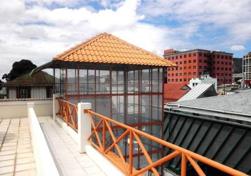 فندق Sundeck Suites بويرتو إسبانيا