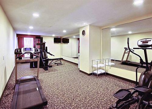 호텔 Quality Inn & Suites Shelbyville