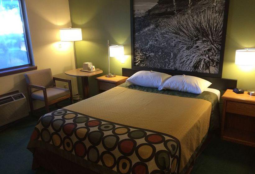 فندق على الطريق Super 8 Buffalo بوفالو