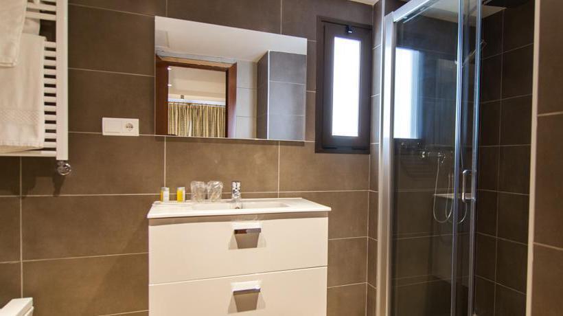 Bathroom El Puerto Ibiza Town