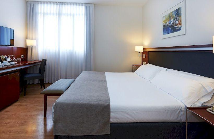 فندق Hesperia Zubialde بلباو
