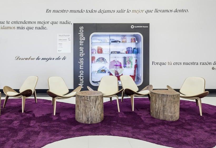 Zonas comuns Hotel Ilunion Suites Madrid