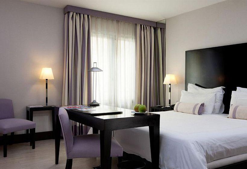 فندق NH Liberdade لشبونة
