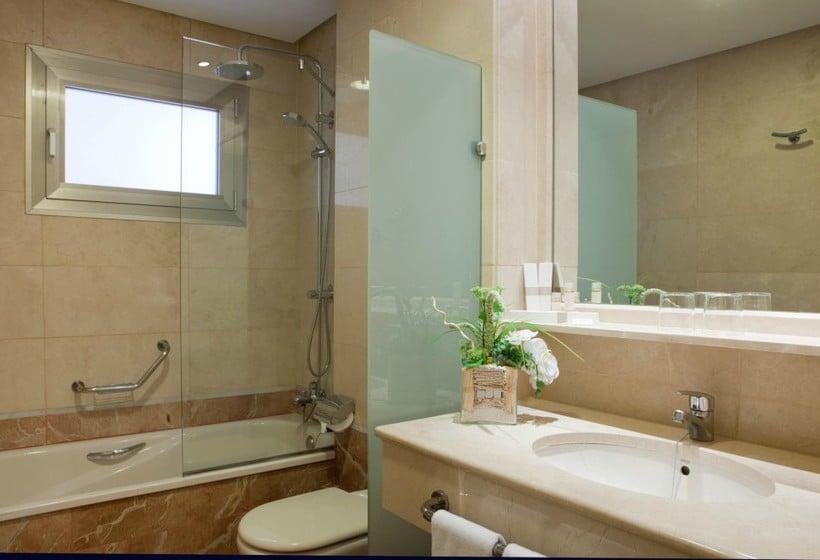 Cuarto de baño Hotel Villamadrid Madrid