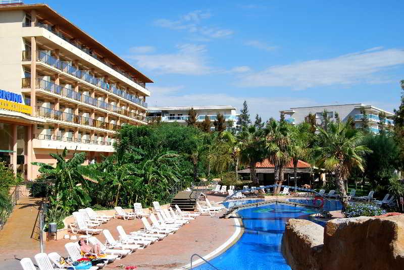 Schwimmbad 4R Regina Gran Hotel Salou