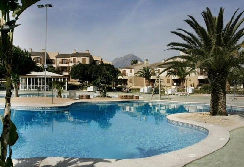 حمام سباحة Albir Garden Resort لالفاس دل بي