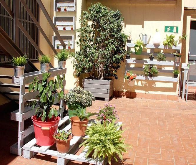 Apartahotel Atenea Calabria Barcelona
