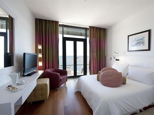 Farol design hotel cascais partir de 58 destinia for Design hotel cascais