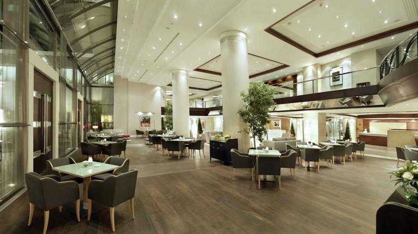 レストラン ホテル Metropolitan アテネ