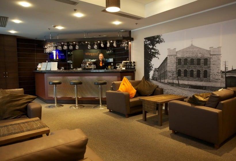 커피점 PK Ilmarine Hotel  탈린