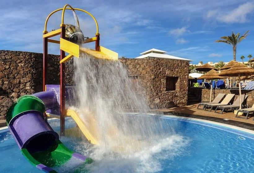 Swimming pool Hotel Occidental Lanzarote Mar Costa Teguise
