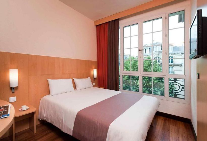 Hotel Ibis Paris Ornano Montmartre Nord 18ème Parigi