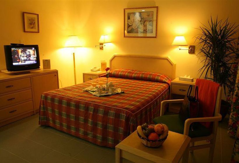 فندق Golden Tulip Aqaba العقبة