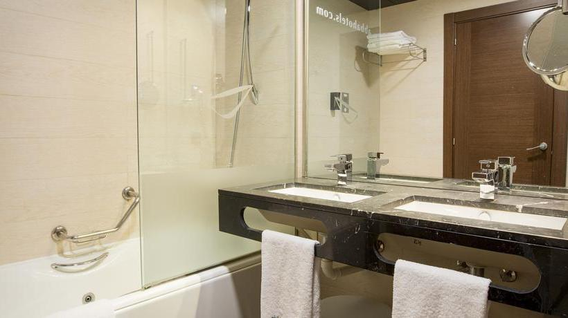 Bathroom Hotel Abba Huesca