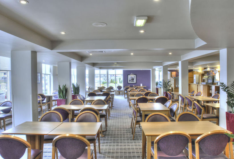 فندق Holiday Inn Express Edinburgh Waterfront إدنبرة