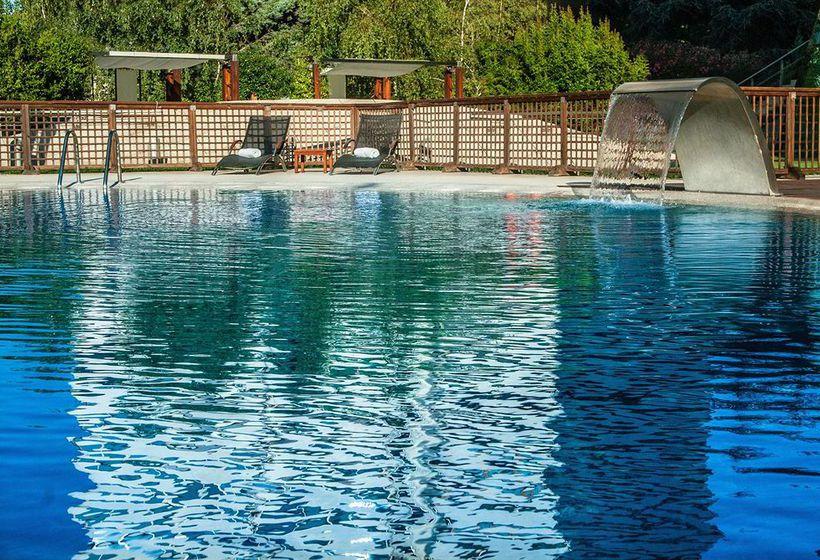 Hotel eurostars suites mirasierra a madrid a partire da 43 for Piscina 29 de abril telefono