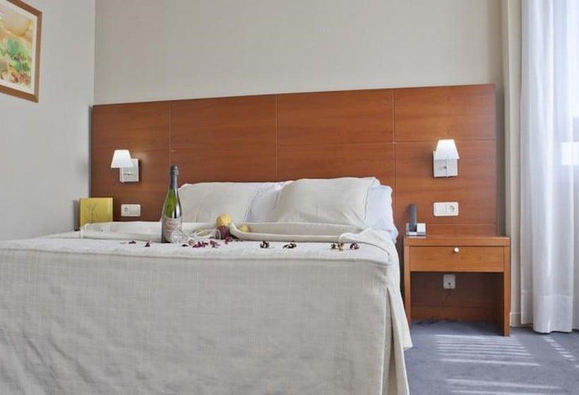 Camera Hotel Silken Torre Garden Madrid