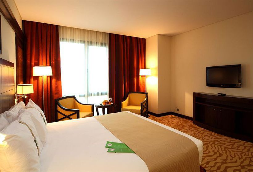 غرفة فندق Holiday Inn Riyadh Olaya الرياض