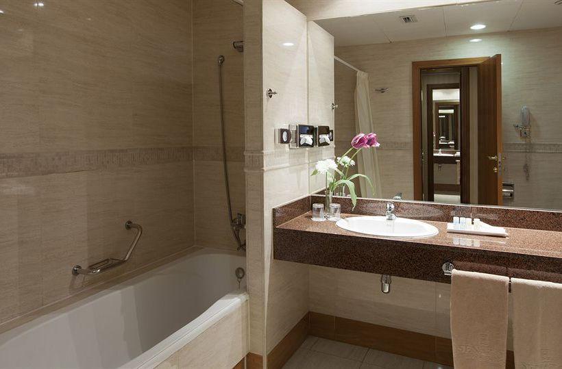 حمام هتل Senator Gran Vía 70 Spa  مادرید