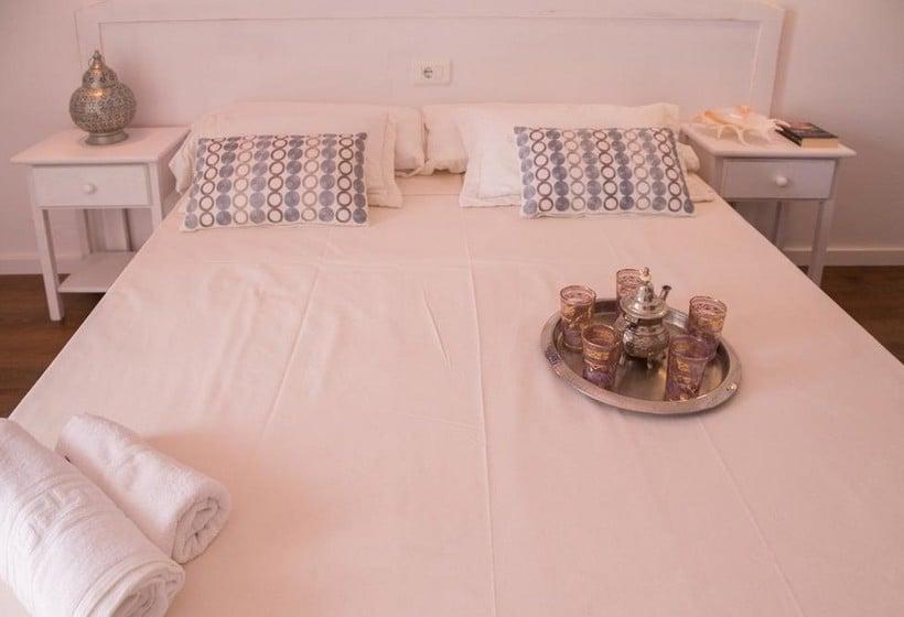 Room NWT Hostal Sunset Ibiza Sant Antoni de Portmany