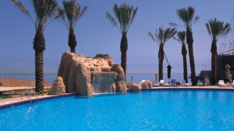 استخر هتل The Palms Beach & Spa کویت