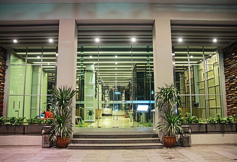 Sparks Hotel Giacarta
