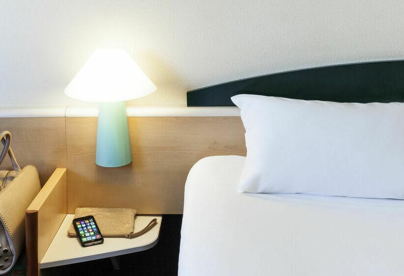 فندق Ibis Valencia Bonaire ألدايا